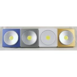 Фонарь светодиодный (1 больш. лампа, 3AAА) YB-003 выключатель